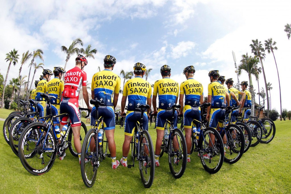 tinkoff - saxo team photo 01