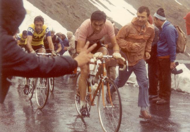 Merckx climbing the Stelvio in stage 17 of the 1972 Giro