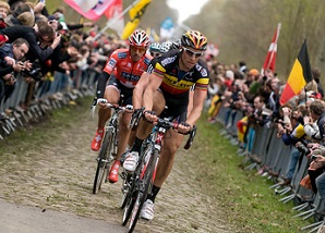 boonen_cancellara_paris-roubaix_2010-resized